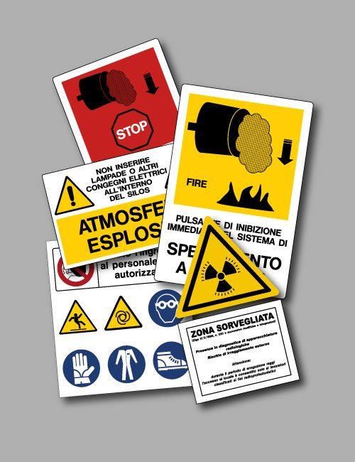 Cartelli personalizzati in pellicola adesiva, segnaletica custom